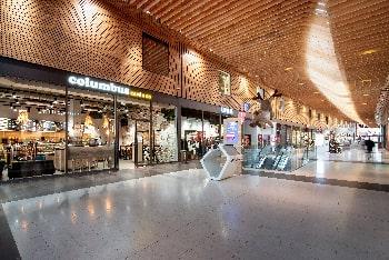 Photographie d'intérieur du Columbus Café à Caen dans les Rives de l'Orne