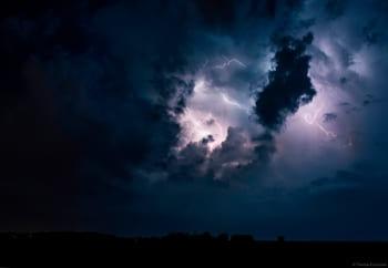 Photographie d'orage près de Ouistreham