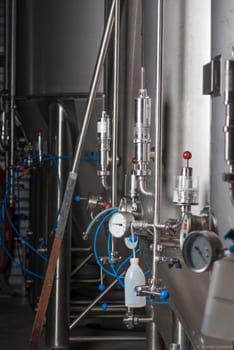 Détail sur une cuve à bière lors d'un reportage photo à la Brasserie Artisanale Bio La Lie