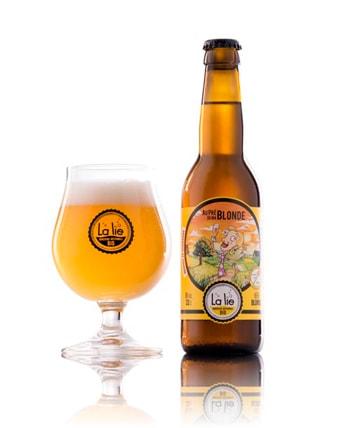 Photographie Packshot de la bière blonde de la Brasserie La Lie