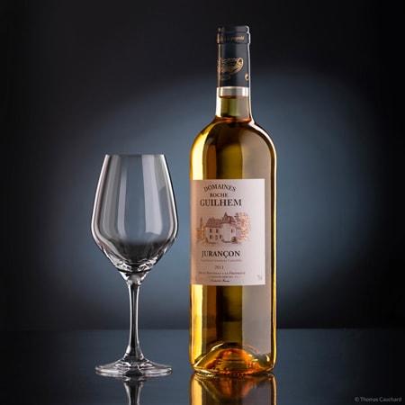 Photographie Packshot ou photo de produit d'une bouteille de vin